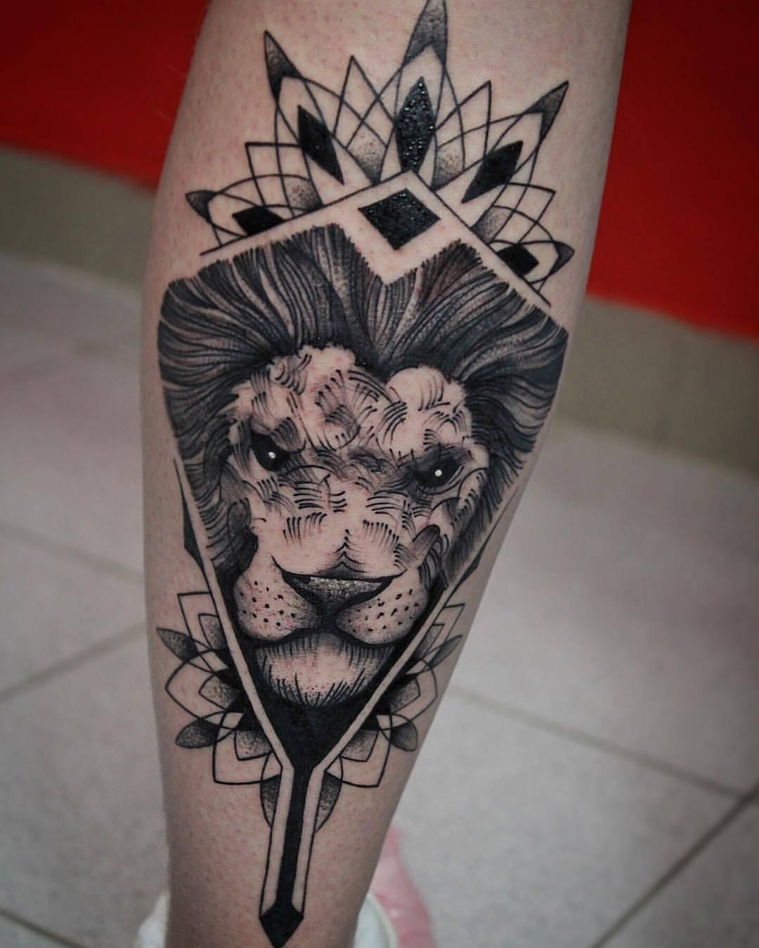 权先生小腿梵花骷髅莲花纹身图案